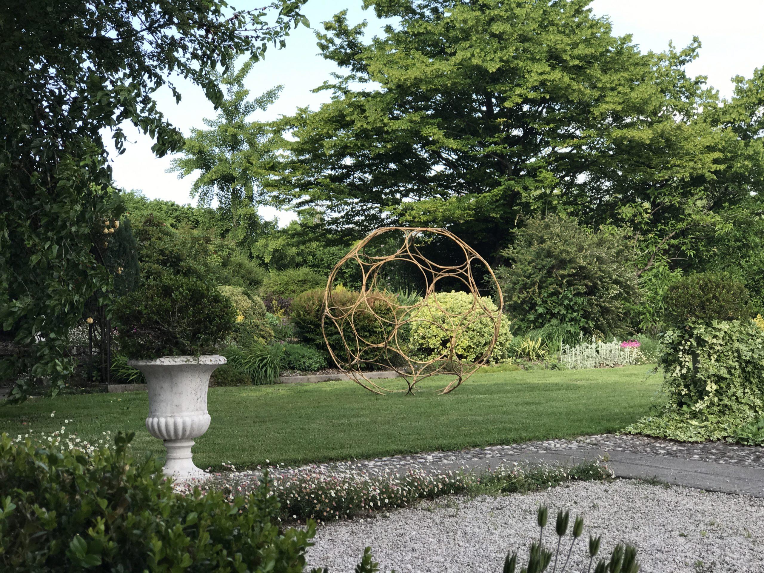 Il giardino di Esta, intimo e baciato dal sole